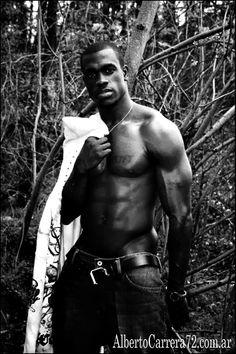 """África: Cacería al colectivo homosexual. La barbarie como tendencia. """"African barbarism""""  http://www.albertocarrera72.com.ar/2014/03/africa-caceria-al-colectivo-homosexual.html            #Africa #Uganda #YoweriMuseveni #Homophobia #Gay #Homosexual #Bisexual #LGBT #Caceria #Senegal #Nigeria #Somalia #Somaliland  #Mauritania #Sudán #ONU #DennisWamala #AmnistíaInternacional #GoodluckJonathan #ThinkTank"""