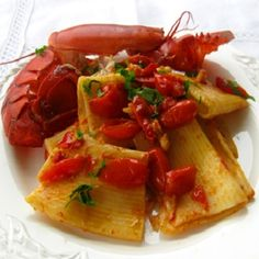 Paccheri con astice e pomodorini - Paccheri with lobster and cherry tomatoes