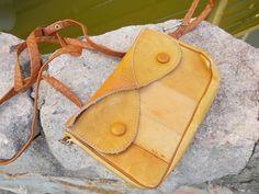 Accessoires - Vintage NaturLeder Tasche Kinder Umhänge Tasche - ein Designerstück von CocoVintage bei DaWanda