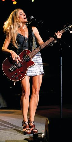 Sheryl Crow: the bass is my muse Sheryl Crow, Female Guitarist, Female Singers, Ukulele, Bass Guitar Lessons, Guitar Photography, Women Of Rock, Rocker Girl, Guitar Girl