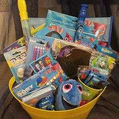 Kids Gift Baskets, Themed Gift Baskets, Easter Baskets, Craft Gifts, Gifts For Kids, Stylish Watches For Girls, Mermaid School, Monster High Birthday, Balloon Gift
