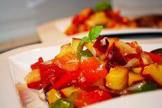 Paprika-Pfirsich-Salat, ein raffiniertes Rezept mit Bild aus der Kategorie Gemüse. 48 Bewertungen: Ø 4,4. Tags: Frucht, Früchte, Gemüse, Salat, Sommer, Vegetarisch