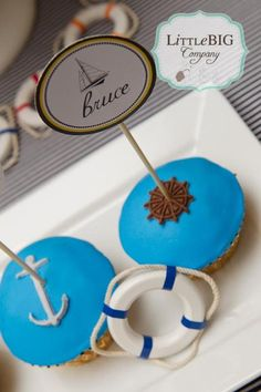 #GoCoast with #nautical themed cupcakes!