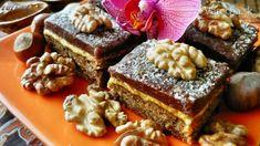 Minuloročná hojná úroda orechov mi umožňuje sa takto realizovať :) Zdrojom receptu je  známa Coolinarika, oproti pôvodnému receptu som ubrala cukor a  vynechala múku. Sladkosťami sa to tu len tak hemží, tak nech je v čom bŕľať :)