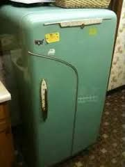 Image result for kelvinator vintage fridge Vintage Fridge, Retro Fridge, Washing Machine, Retro Fashion, My House, Old Things, Woodworking, Home Appliances, Cool Stuff