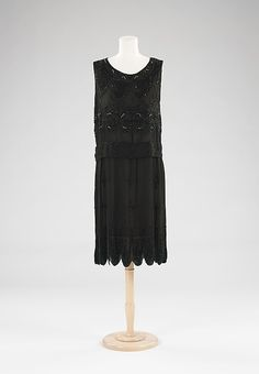 evening dress, ca 1927. love the horse detail!