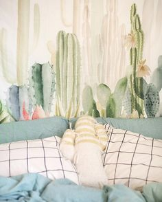 Urban Outfitters NYC (@uonewyork) • Instagram photos and videos Urban Outfitters Room, Duvet Covers Urban Outfitters, Girls Bedroom, Home Bedroom, Roomspiration, Urban Outfits, Queen, New Room, My Dream Home