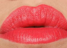 The Sunday Girl :Scottish Make-Up and Beauty Blog: Revlon Strawberry Suede Matte Lipstick - Review