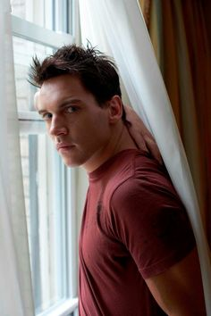 Jonathan Rhys Meyers from August Rush Hot Actors, Actors & Actresses, Hottest Male Celebrities, Celebs, Jonathan Rhys Meyers, Charming Man, Gorgeous Men, Sexy Men, Eye Candy