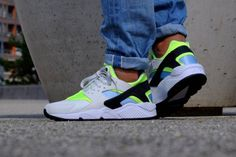 AUTHENTIC Nike Huarache Run Running White Neon Green teal 318429 107 Men sz | Kixify Marketplace