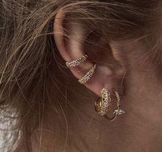 Ear Jewelry, Cute Jewelry, Jewelry Box, Jewelry Accessories, Jewellery, Raw Stone Jewelry, Charles James, Accesorios Casual, Crystal Earrings