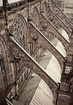 flying buttresses.