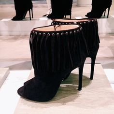Swingy fringe means these #prada shoes are made for dancing. #perfectpairs
