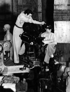 Orson Welles and Gregg Toland filming Citizen Kane (1941). Very rare clip of cinematographer Gregg Toland with Gary Cooper and Merle Oberon