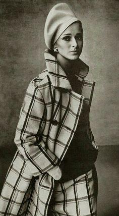 British Harper's Bazaar Editorial September 1965 Model Agneta Darin Photo Francesco Scavullo