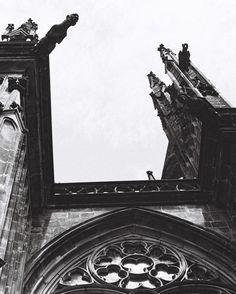 2015 Leicaflex N63 #ishootfilm#believeinfilm#35mmfilm #shootfilm #buyfilmnotmegapixels #nofilter#staybrokeshootfilm#analoguevibes#35mm#analogue#architecture#church#prague#noiretblanc