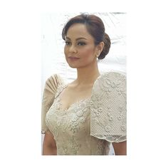 You can see the sleeve structure here. Maria Clara Dress Philippines, Philippines Dress, Philippines Fashion, Filipiniana Wedding Theme, Filipiniana Dress, Bridal Gowns, Wedding Gowns, Rustic Bohemian Wedding, Gowns Of Elegance