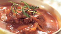 Maistuva lihasuikalepata - Yhteishyvä Oven Baked, Thai Red Curry, Ramen, Food And Drink, Beef, Baking, Ethnic Recipes, Koti, Foods