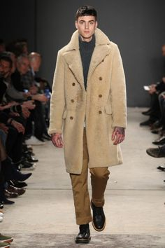Todd Snyder Fall 17. Photo by Gerardo Somoza.  menswear mnswr mens style mens fashion fashion style toddsnyder runway