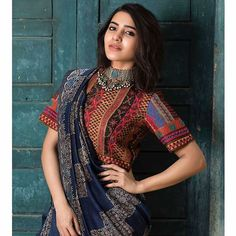 Samantha walked right into our hearts when she first showed up in a saree in Ye Maya Chesave. Today, let's look at this diva's traditional looks and take some saree inspiration. Read on to check out the 15 best photos of Samantha in a saree. Dress Indian Style, Indian Dresses, Indian Outfits, Pakistani Dresses, Sari Bluse, Stylish Blouse Design, Sari Blouse Designs, Blouse Patterns, Saree Trends