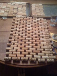 Here is how I make a cork doormat using wire and cork. You can make one too with a bunch of corks, some . Wine Craft, Wine Cork Crafts, Wine Bottle Crafts, Diy Cork, Online Home Design, Wine Cork Art, Wine Cork Projects, Wine Bottle Corks, Wine And Liquor