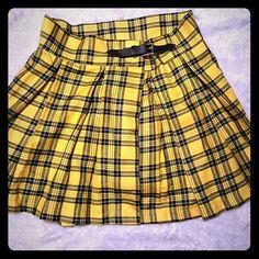 Deandri clueless yellow plaid buckle skirt Brand new, no tags I bought it online, just a tad too big for me.  Above knee length skirt, buckle closure. Deandri School girl Clueless Plaid Handmade deandri Skirts