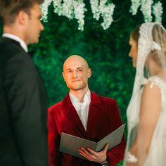 Inscenizację ślubu na targach @weddingshowpl poprowadzili Celebranci Asia i Szymon  @slub.humanistyczny Swoimi głosami i opowieścią perfekcyjnie zagrali wszystkim na emocjach  zawodowcy  . Podziękowania dla #polskiestowarzyszeniekonsultantowslubnych . #wedding #weddingshow #weddingshowpl #hotel #marriott #warszawa #slub #ślub #inscenizacja #weddingplanning #weddingplanner #slubhumanistyczny #weddingphotography #konsultantslubny #jamstudiopl