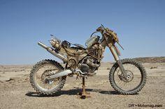 mad_max_fury_road_moto_frd-32190