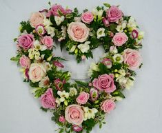 Funeral Bouquet, Funeral Flowers, Flower Wreath Funeral, Remembrance Flowers, Memorial Flowers, Funeral Floral Arrangements, Large Flower Arrangements, Funeral Tributes, Sympathy Flowers
