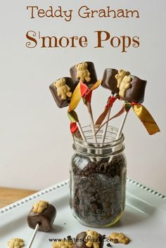 Teddy Graham S'more Pops {Tastes of Lizzy T} Pinned over 7000 times! Super easy to make and fun for a camping theme party! Just Desserts, Delicious Desserts, Dessert Recipes, Yummy Food, Kid Recipes, Candy Recipes, Copycat Recipes, Yummy Treats, Sweet Treats
