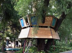 "Treehouse on Algonquin Island, Toronto. Part of ""Toronto Island."" The most beautiful place in the city."