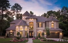 Stratton Woods is a luxurious enclave of 40 generous home sites located minutes away from the future Grand Parkway and the new Exxon campus. #StrattonWoods #TheWoodlands #ExxonMobil #ExxonMobilHouston