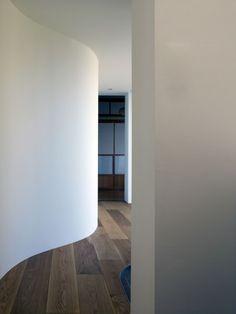 haus garten um baum aufgebaut korridor wellenform