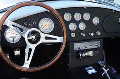 https://upload.wikimedia.org/wikipedia/commons/f/f2/1965_Shelby_Cobra_dash_02.jpg