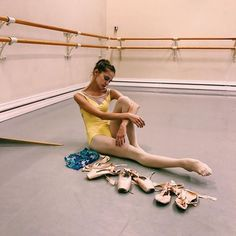 Ionova at Vagonova ballet academy Ballet Photos, Dance Photos, Dance Pictures, Ballet Feet, Ballet Dancers, Vaganova Ballet Academy, Ballet Studio, Ballet Class, Ballet Photography