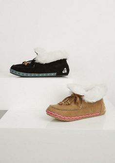 Rachel wants for xmas. Roxy Black Slipper - Slippers - Shoes - dELiA*s