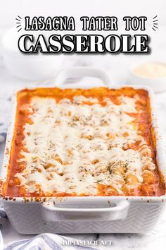 Lasagna Tater Tot Casserole - This kid friendly family dinner recipe uses tater tots to replace the traditional noodles layer – a delicious twist on a family favourite! Casserole Recipes, Soup Recipes, Cooking Recipes, Tater Tot Casserole, Tater Tots, My Favorite Food, Favorite Recipes, Yummy Appetizers, Recipe Using