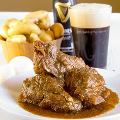BRAISED PORK RIBS WITH GUINNESS BEER  Today, we prepare a dish witch recalls green meadows, steel skies, and Irish pubs: the braised pork ribs with Guinness beer! The preparation of this dish is not difficult, but quite long. Like all slow cooking recipes, however, it will give you much satisfaction and will warm your guests during these early winter days. - crocpot stew irish ireland slowcooker winter fall recipes dinner recipe