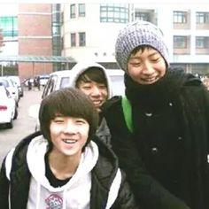 Young sehun and chanyeol so cuteeeeeeeeeeeeeeeee this warms my heart :3