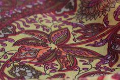Superbe foulard indien en soie naturelle, fine, douce et légère. Un foulard soie…