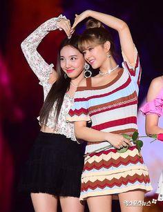 TWICE : Korea Music Festival - Dance the night away - gallery Butterflies In My Stomach, Pre Debut, Twice, Dance The Night Away, Nayeon, Yuri, Sequin Skirt, Korea, Short Sleeve Dresses