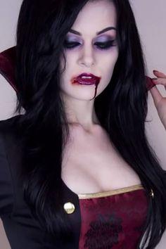 Bald ist Halloween! Und was gibt es Besseres, als sich mit diesen gruseligen Make-up-Tutorials in einen Vampir oder eine Hexe zu verwandeln?