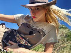 #anaschurmann Max Mara, Profile, Instagram, Fashion, User Profile, Moda, Fashion Styles, Fashion Illustrations