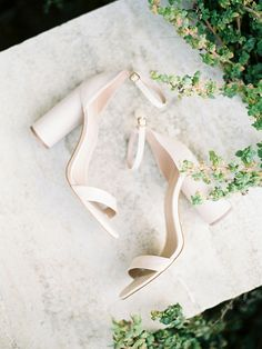 Brides don't forget about your feet. A fabulous pair of shoes is the perfect way to pull together your wedding day look! Photography Workshop Design and Styling Planning Film Lab Wedding Shoes Heels, Bride Shoes, Dream Wedding, Wedding Day, Elopement Inspiration, Bridal Portraits, Wedding Accessories, Wedding Photography, Bridesmaid
