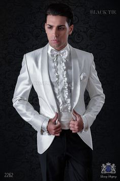 Esmoquin a medida de shantung blanco con solapa chal