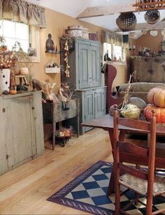 Lana Testa's home dressed for Fall...A Primitive Place photo.