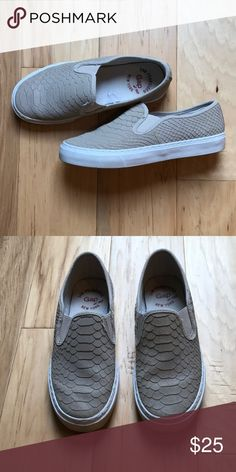 Gap slip on sneakers Size 7 Gap slip on sneakers GAP Shoes Sneakers