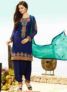 USD 35.77 Navy Blue Georgette Punjabi Suit 48026