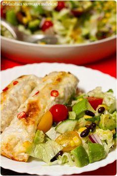 Maistuis varmaan sullekin!: Jauheliha-tortillavuoka Tex Mex, Cobb Salad, Food And Drink, Pizza, Cooking Recipes, Mexican, Eat, Ethnic Recipes, Drinks