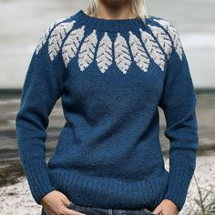 Ravelry: Feather pattern by Sanne Fjalland Knit-Wear Hand Knitted Sweaters, Sweater Knitting Patterns, Knitting Designs, Knit Patterns, Icelandic Sweaters, Feather Pattern, Fair Isle Knitting, Warm Outfits, Bunt